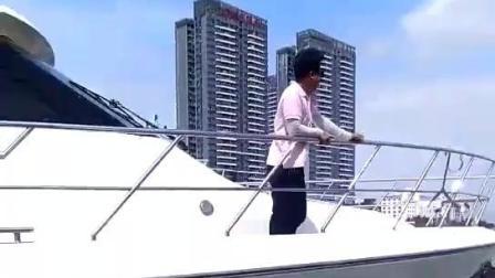 游艇出海成三亚旅游新时尚, 码头人潮涌动