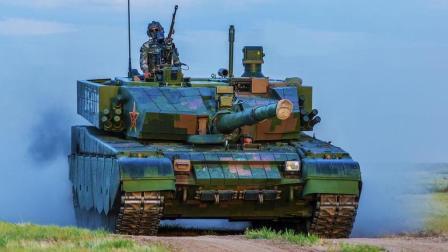 央视首次曝光99A坦克内部: 方向盘加自动挡驾驶, 开起来就像小汽车