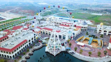 航拍世界最大摩天轮, 震撼, 目测有500米高, 你们觉得呢?