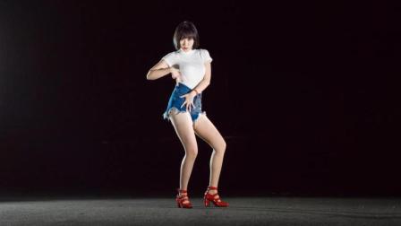 国内姑娘不只会翻跳C哩C哩, 还会跳韩国舞蹈《babe》呢