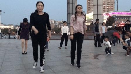 下班回家跳个广场鬼步舞, 很简单只有8步, 一看就会
