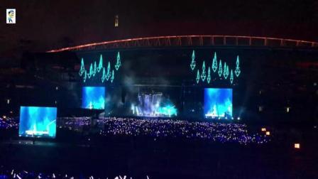 五月天: 现场听五月天演唱会, 虽然看不清但歌确实很好听!