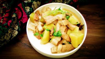 亲不过姑舅, 香不过猪肉, 再加一碗土豆。