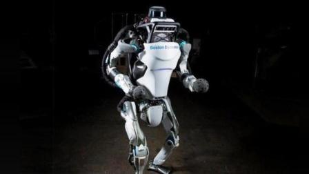 你见过会后空翻的机器人吗, 玩累了还会出汗的那种!