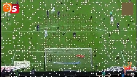 天下足球上周10大进球  梅西圆月弯刀入围, 后5粒精彩入球