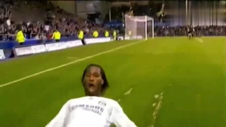 天下足球, 你不看足球你就不懂这一跪的激情