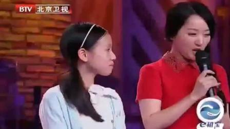 杨钰莹跳一段《小苹果》广场舞, 加上羞涩的舞姿, 女人味十足呀