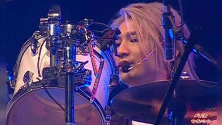 Beyond超越Beyond 2003 演唱会再唱起这首歌, 想起了黄家驹