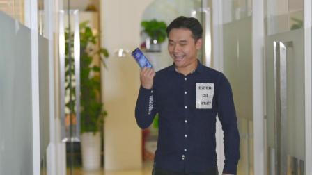 男子买了新手机, 炫耀完就得到了教训