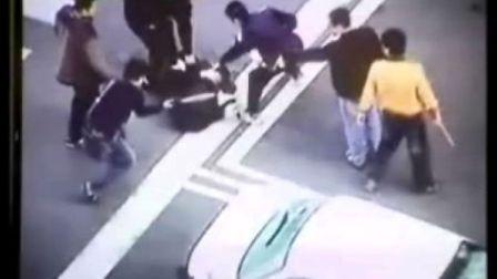 台湾人飚车没飚明白打架!