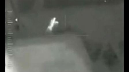 网上盛传的俄直升机拍下僵尸攻击人类视频