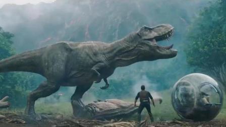 《侏罗纪世界2》有点意思, 没了暴虐暴王龙, 却多了诡异的新恐龙