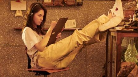 钟楚曦: 《速写咖啡馆》