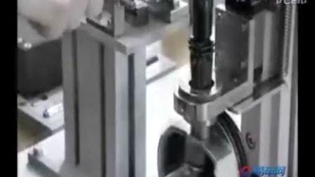 梅赛德斯奔驰 发动机组装过程曝光