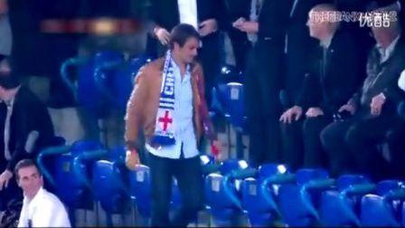 费德勒现场观战巴塞尔足球队对阵切尔西为家乡队激动加油