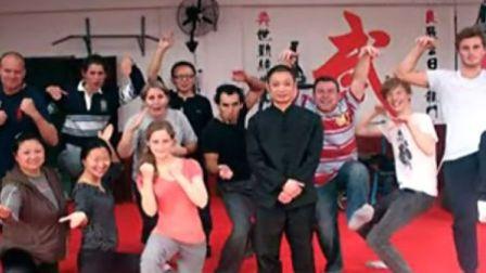 俯卧撑的正确做法 俯卧撑的好处 练胸肌世界纪录 教学教程视频