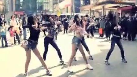 Girls Day出道前街头公演 100624