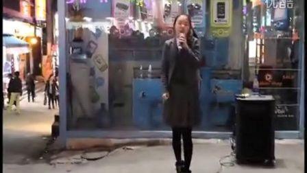 Girls Day敏雅出道前街头公演现场