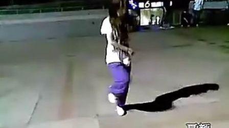 国内美女学生鬼步舞 曳步舞