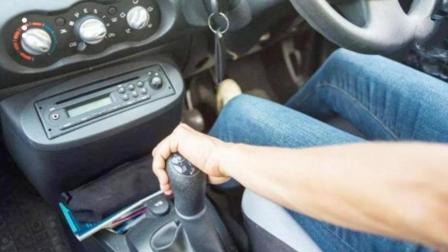 新手的第一辆车一定要买手动档! 原因很多人不相信