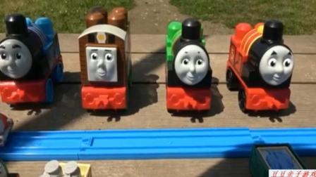 托马斯小火车玩具组装视频 托马斯和他的朋友们动画片