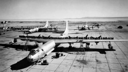 战争史上首架核动力轰炸机: 成功试飞47次, 可绕地球80圈