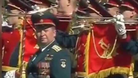 莫斯科大阅兵, 单排标兵迈健步走入红场, 差解放军太多