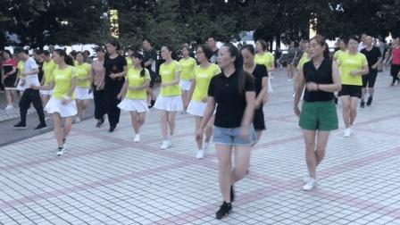 全民健身广场步子舞, 16步跳起来非常舒服, 舞姿真潇洒