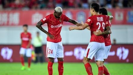 天空体育激情解说,广州恒大5-0重庆斯威,塔利斯卡2球暴力鸟破门