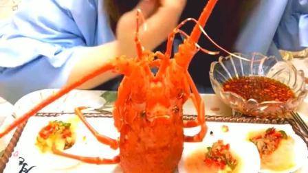 香辣虾钳美食小吃, 看姐吃得津津有味的, 你会不会心动呢