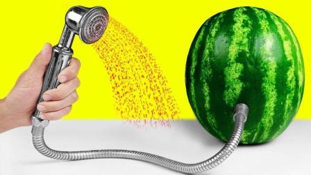 我们拿西瓜是吃, 牛人拿西瓜是沐浴, 真是奇了!