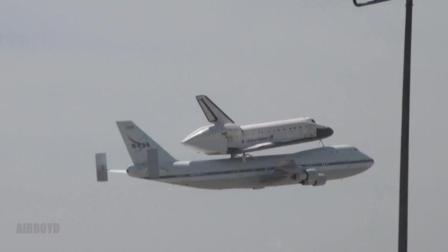 实拍波音747背着航天飞机转场, 网友: 怎么上去的?