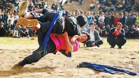 彝族式摔跤