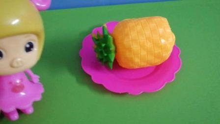 《小飞侠》呆呆和菲菲学习水果, 小朋友们你们来看一下都认识什么水果吧! !