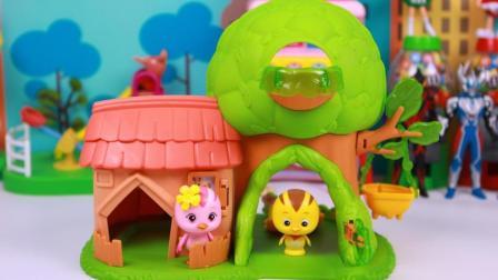 萌鸡小队朵朵和麦琪去树屋游玩玩具