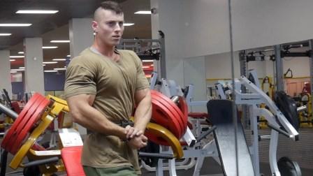 Zach Zeiler - 在新健身房与Cory练胸