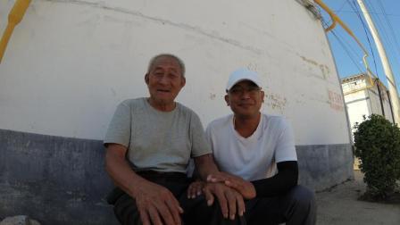 80岁退伍老兵宁可自己住, 也不跟着两个女儿住, 听听他说说什么?