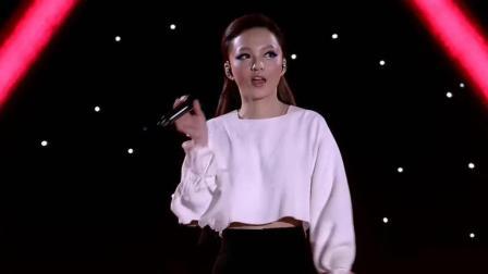 张韶涵演唱《自由》, 挑战不同的自己, 惊艳全场