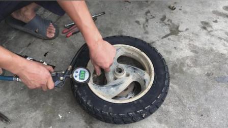 电动车安装真空胎, 靠的是技巧而不是蛮力, 这样安装耐用又不漏气