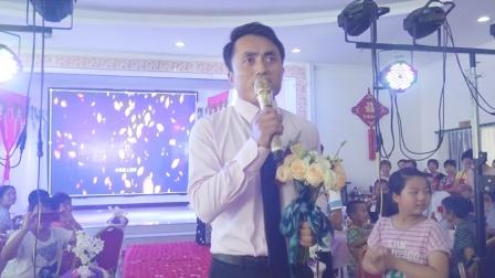 新郎在婚礼上唱《誓言》迎接新娘, 太浪漫了!