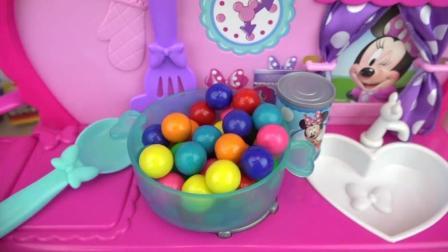 宝宝小厨房 小厨师做饭游戏 和娃娃一起玩烹饪游戏吧