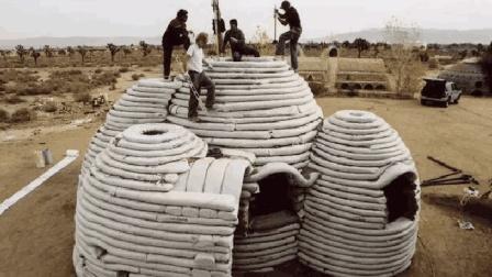 中国牛人! 52岁发明水泥毯, 当场获980万投资, 洒上水神奇的事发生了