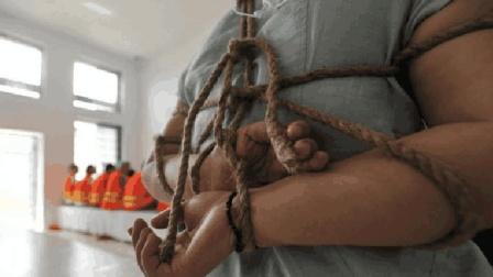 为什么执行死刑时, 一定要用绳子绑住死刑犯, 而不用手铐?