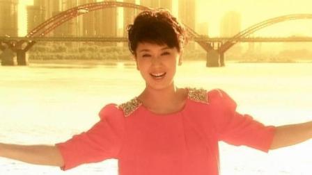 因为《刘老根》里的山杏记住了闫学晶, 没想到她还是专业歌手!