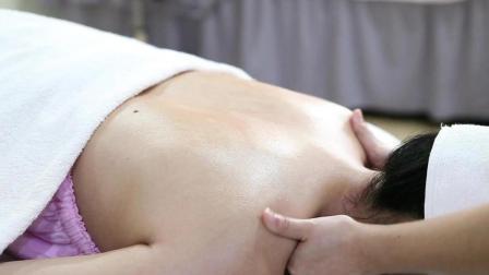 美容院精油开背推背, 背部经络肩颈堵塞湿气重的看过来!