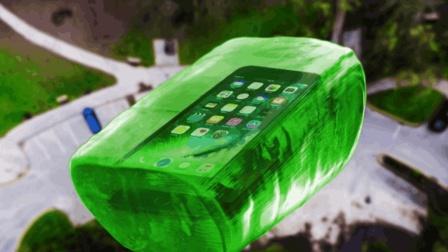 把iPhone 7包裹在糖果中从高处抛下, 你猜它会怎样