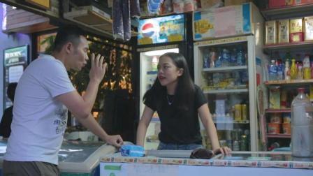 男子帮女友买卫生巾, 场面十分尴尬, 看他是怎样化解的!