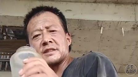 40岁农村大叔, 用镜头记录生活, 这就是真实的农民工生活