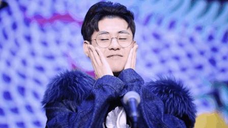 张云雷台上喊想妈妈, 观众起哄, 九郎吐槽这么多人, 我娶谁好呢?