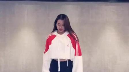 《2NE1我最红》舞蹈慢动作教程